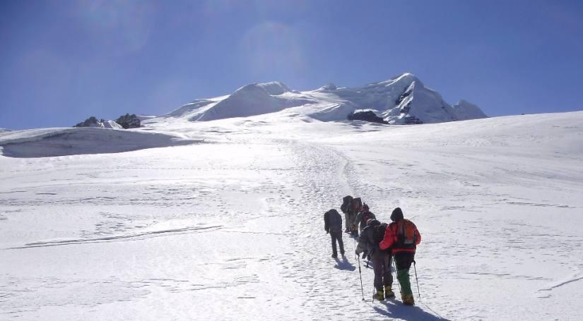 MERA PEAK EXPEDITIONS- 6476 m